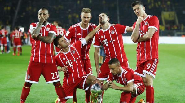 bayern-munich-celebrate-super-cup-2017_